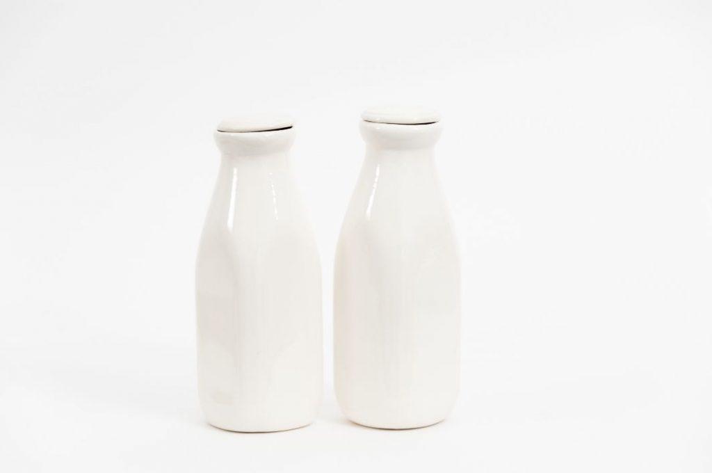 Mjölk vit bakgrund